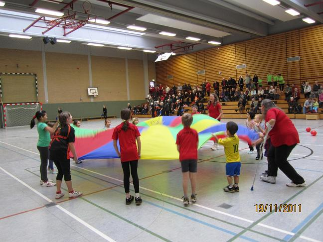 Turnschau_2011_1a_Kinderturnen1